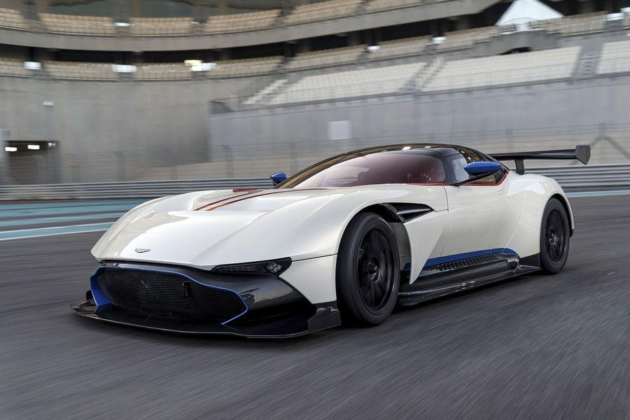 Aston-Martin-Vulcan-Yas-Marina-fotoshowBigImage-a8524340-929415.jpg