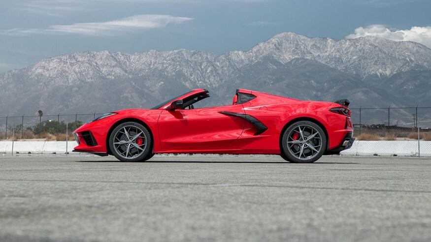 2020-Chevrolet-Corvette-C8-side.jpg